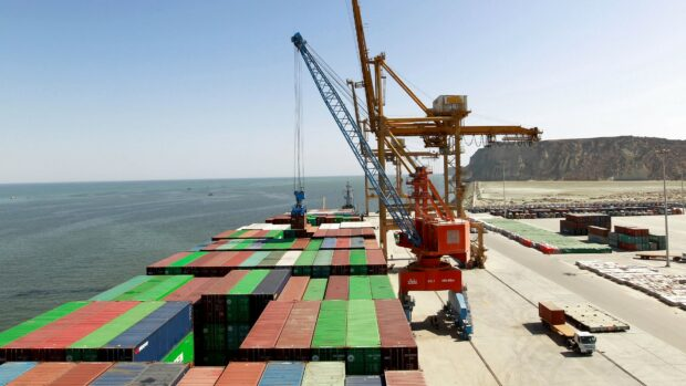 Seniorforsker Anatol Lieven: Hvis Pakistan og Iran begge blokerer Afghanistans adgang til havet, vil det være en katastrofe for landet